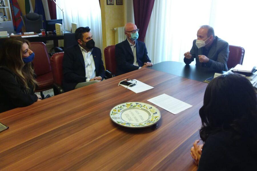Firmato protocollo sulla contrattazione sociale con il Comune di Spoltore